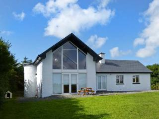 ARD CAOIN, fabulous views, coastal setting, close to beach in Ballinskelligs, Ref 29041 - County Kerry vacation rentals