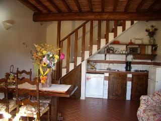 Lovely 2 bedroom Villa in Certaldo with Internet Access - Certaldo vacation rentals