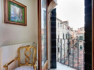 Palazzo Barbaro, historic and typical Venetian building, near Rialto and San Polo - Venice vacation rentals