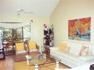 3B/3B attached Villa near Beach and Shopping - Naples vacation rentals