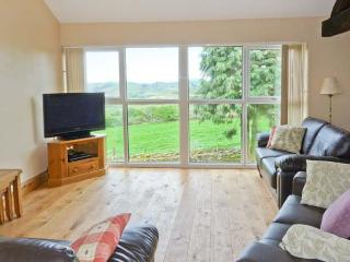VALLEY VIEW, barn conversion, all ground floor, en-suite, pool table, parking, garden, in Broughton-in-Furness, Ref 26404 - Broughton-in-Furness vacation rentals