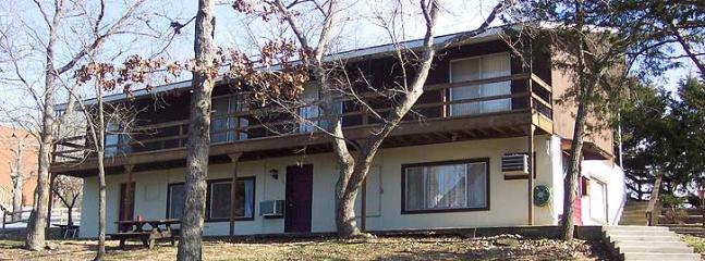 top unit lake side - Calm Waters Resort B - Branson - rentals