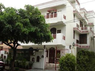 Kuruhaveli: a bed and breakfast home - Gurgaon vacation rentals
