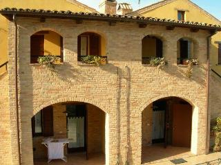 Typical Italian farmhouse with large pool - Cossignano vacation rentals