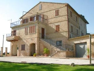 Typical Italian farmhouse with wonderful views - Cossignano vacation rentals