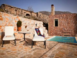 MOUNTAIN PARADISE WITH PRIVATE POOL-VILLA GALATIA - Chania vacation rentals