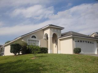 Sunrise Villa Just minutes from Disney  late deals - Davenport vacation rentals