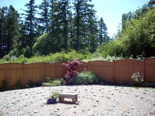 Romantic House with Satellite Or Cable TV and Cleaning Service in Comox - Comox vacation rentals