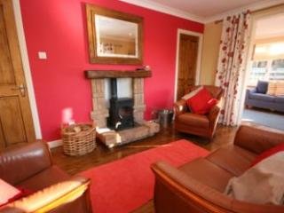 Cosy Cottage with oustanding loch views - Strachur vacation rentals