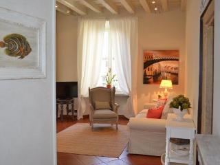 Palazzo Tiolo - Le Camelie - Verona vacation rentals
