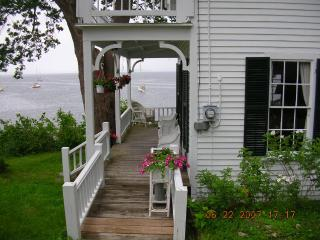 Wonderful Cottage with Internet Access and Dishwasher - Northport vacation rentals