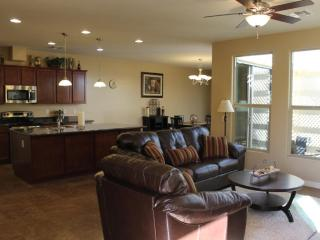 Glendale Home in Quite Gated Community - Walk to Sports, Entertainment, Shopping - Glendale vacation rentals