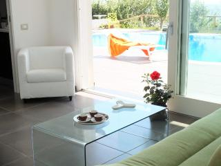 Wonderful Villa with Internet Access and Dishwasher - Cicerale vacation rentals