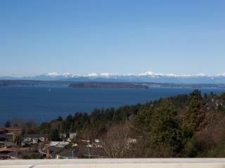 West Seattle Private, Quiet Home w/Dazzling View - Seattle Metro Area vacation rentals