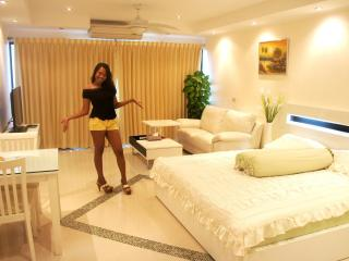 Jomtein Beach (Pattaya) Studio for Rent - Pattaya vacation rentals