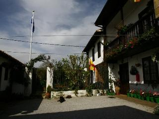 Lovely house on small Cantabrian coast village. - Ruiloba vacation rentals