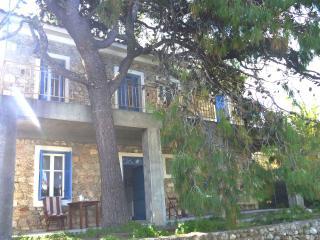 Stonehouse near the sea in Pelopones (Wi-Fi) - Galaxidi vacation rentals