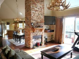 Atnalian Villa - Apple Valley vacation rentals