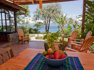 Lake Shore Retreat.  Discounted summer rates - Santa Cruz La Laguna vacation rentals
