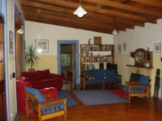 Bright 4 bedroom House in Victoria with Grill - Victoria vacation rentals