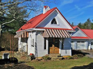 Oakdale Guest Cottage - Floyd vacation rentals