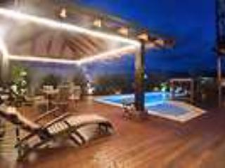 Sandy Feet Beach House around the pool - Sandy Feet Beach House - Casuarina - rentals