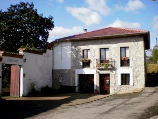 Charming B&B, calme and relax near Oviedo.Asturias - Asturias vacation rentals