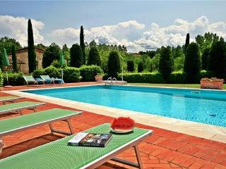 6 bedroom Villa in San Gimignano, Tuscany, Italy : ref 2069049 - Montecchio vacation rentals