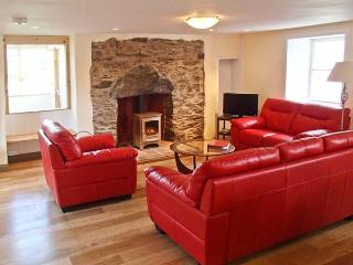 WADE HOUSE, woodburner, Grade II listed, fully renovated, pet-friendly, near Aberfeldy, Ref 21597 - Aberfeldy vacation rentals