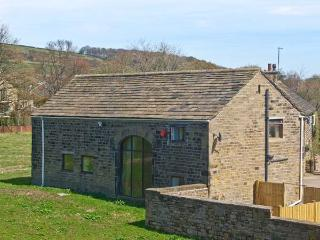 BULLACE BARN, detached stone-built cottage, family and pet friendly, in Millhouse Green, near Holmfirth, Ref 23330 - Millbrook vacation rentals