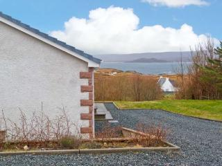 MELLONDALE COTTAGE, en-suite bedrooms, fantastic views, beach close by, in Mellon Charles, Ref 23798 - Mellon Charles vacation rentals
