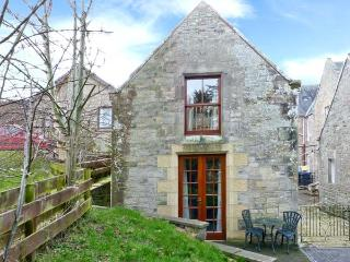 ALLERTON HOUSE STABLES, pet-friendly cottage, grounds, close amenities in Jedburgh, Ref 23920 - Jedburgh vacation rentals
