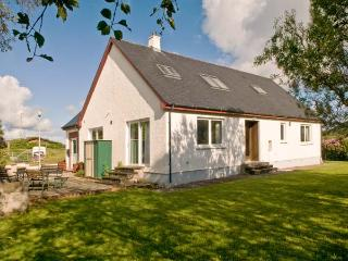 ARDNISH, dog-friendly cottage, rural setting, woodburner, garden Ref 24401 - Acharacle vacation rentals