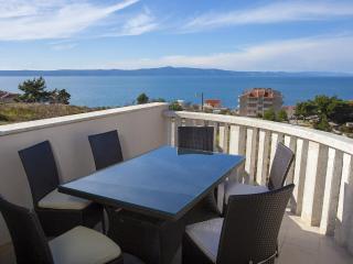 2 bedroom Condo with Internet Access in Podgora - Podgora vacation rentals