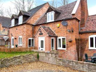 BROOK COTTAGE woodburner, pet-friendly, near to Ironbridge in Coalbrookdale Ref 22001 - Wall-under-heywood vacation rentals