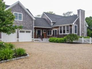 VINA DEL MAR: STYLISH IN-TOWN LIVING - EDG MHOE-20 - Martha's Vineyard vacation rentals