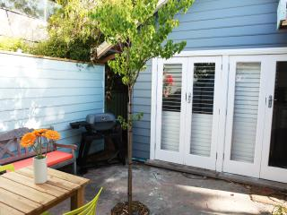 1 bedroom Cabin with Internet Access in South Fremantle - South Fremantle vacation rentals
