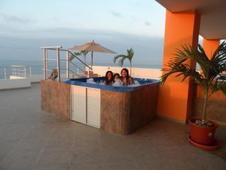 Best Weekend Getaways At Salinas Beach Ecuador. - Guayaquil vacation rentals