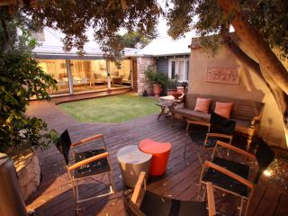 Charming 2 bedroom South Fremantle House with Deck - South Fremantle vacation rentals