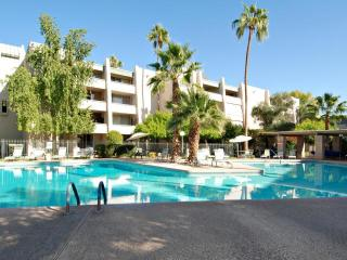 Down Town Scottsdale Walk to Everything Furnished - Scottsdale vacation rentals