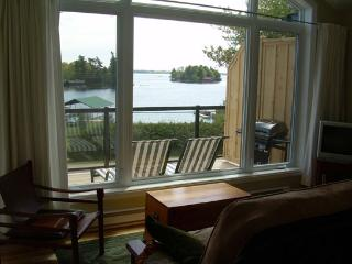 Lovely 1 bedroom Lansdowne Apartment with Deck - Lansdowne vacation rentals