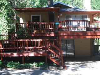 The Roost Vacation Rental - Where Friends & Family - High Sierra vacation rentals