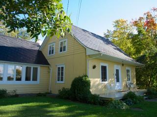 La maison du Jardinier - The Gardner's cottage - Lotbiniere vacation rentals
