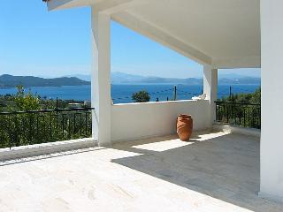 Sunny Villa with Internet Access and A/C - Nea Styra vacation rentals