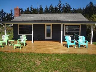 209 - Beachfront Mutiny Bay Cabin, 5818 - Freeland vacation rentals