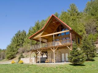 New River Cabin - Walking Distance to Canoe Outfitters - Hot Tub - Wi-Fi - Glade Valley vacation rentals