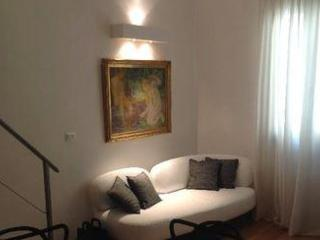 Modern 1 Bedroom Apartment in Florence - Florence vacation rentals