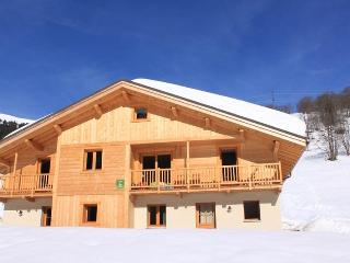 Spacious Chalet with Internet Access and Dishwasher - Hauteluce vacation rentals
