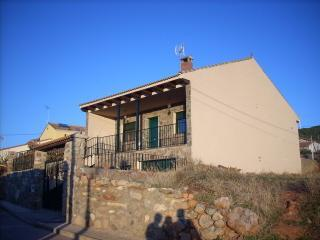 Casa rural nete - Guijuelo vacation rentals