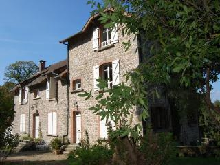 Nice Bed and Breakfast in Argentat sur Dordogne with Internet Access, sleeps 10 - Argentat sur Dordogne vacation rentals